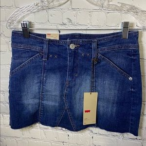Levi's Cut Off Jean Mini Skirt Size 27 (4) NWT